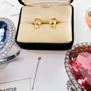 Jewelry - 14K Gold Dolphin Earrings